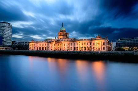 liffey: Custom House is a goverment building in Dublin Ireland located on the banks of river Liffey. Editorial