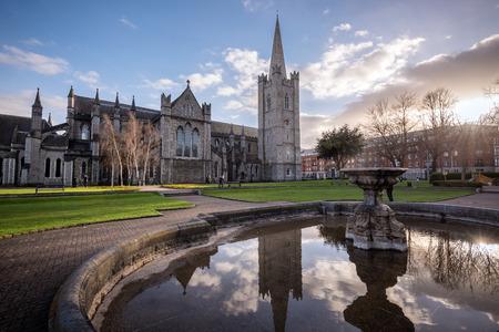 St Patrick のカテドラル教会はアイルランド共和国の国民教会は、首都ダブリンに位置しています。 写真素材