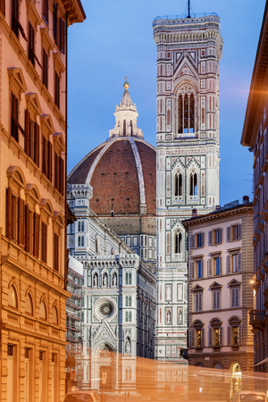 The basilica is one of Italy's largest churches and the dome was the largest in the world. Banque d'images