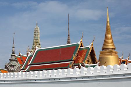 pra: Wat Pra Kaew, The Grand Palace with blue sky, Bangkok Thailand