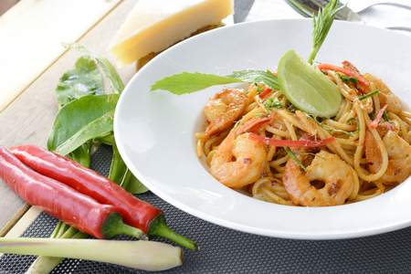 Spaghetti with cream spicy prawn sauce (Tom Yam Goong)