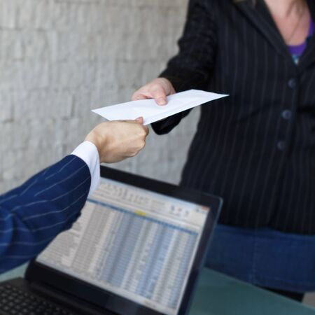 remuneraci�n: Empresaria dar sobre al socio en la oficina, el soborno, la corrupci�n