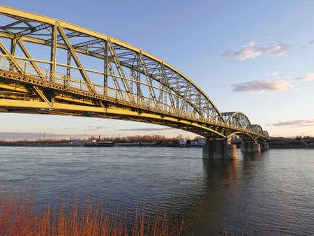 Elisabeth bridge at the Hungarian-Slovak border on Danube, Komarom, Komarno 免版税图像
