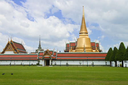 Wat phra kaew, Grand palace, Bangkok, Thailand photo