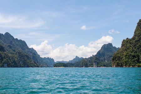 sok: Beautiful mountains and lake   in Ratchaprapha Dam at Khao Sok National Park, Surat Thani Province, Thailand. Stock Photo