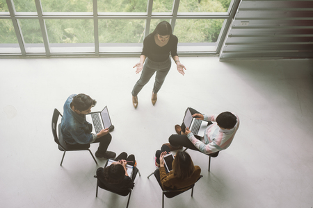 Top view of casual business team people meeting conference discussion corporate in office Imagens - 119500998