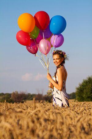 beautiful girl in summer Standard-Bild