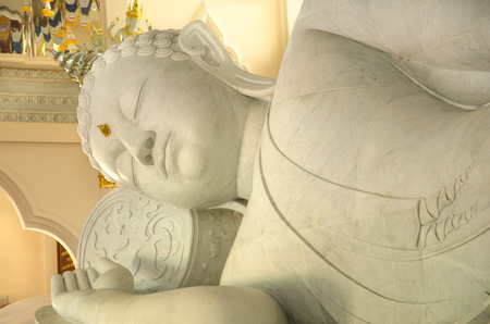 marmorate: Big White Buddha in Thailand
