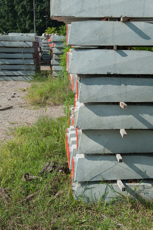 tabulate: Railway sleepers made of cement Stock Photo
