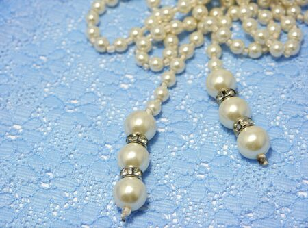 bolus: Pearl Necklace on Blue lace