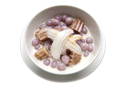 Thai Dessert - Taro Dumplings in Coconut Cream 스톡 콘텐츠