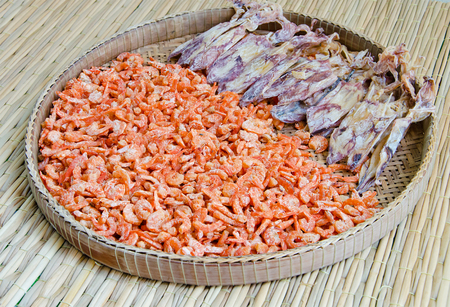 dried shrimp and squid photo