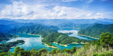 Thousand Island Lake from Shiding Crocodile Island at Feitsui Dam in Shiding District, New Taipei, Taiwan. 스톡 콘텐츠