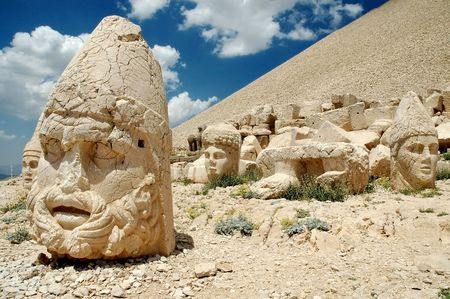 monumental: Monumental god heads on mount Nemrut, Turkey  Stock Photo