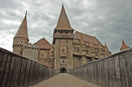 The castle of Vajdahunyad, Hunedoara, Huniazilor in Transylvania, Romania  Foto de archivo
