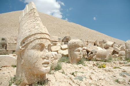 monumental: Monumental god heads on mount Nemrut, Turkey  Stock Photo