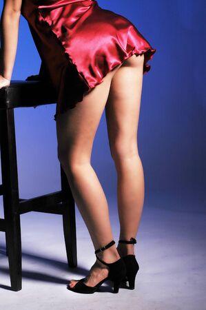 fesses black: Femme sexy en talons hauts avec de jolies jambes et les fesses