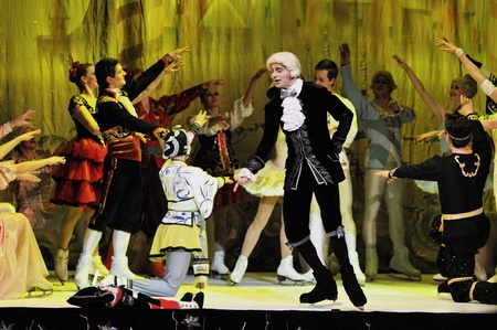 cluj: CLUJ NAPOCA, ROMANIA � JANUARY 18: The russian Sankt Petersburg State Ballet on Ice performs The Nut Cracker in the National Theater of Cluj Napoca, on January 18, 2012 in Cluj-Napoca, Romania