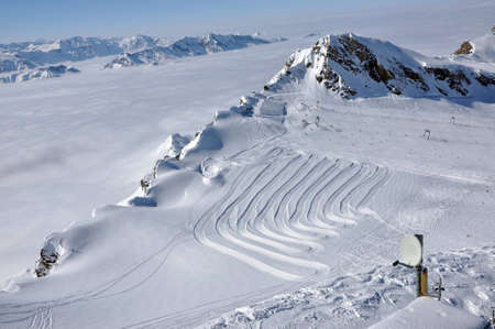 Slopes in Kitzsteinhorn ski resort near Kaprun, Austrian Alps Stock Photo - 12669107