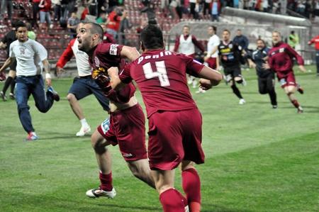 cfr cluj: CLUJ-NAPOCA, ROMANIA � MAY 11: V. Maftei celebrating a goal at a Romanian soccer game CFR Cluj vs. V. Sibiu, final score 2:1, May 11, 2012 in Cluj-Napoca, Romania