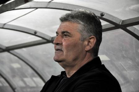 cfr cluj: CLUJ-NAPOCA, ROMANIA - SEPTEMBER 2  Coach Ioan Andone at a Romanian National Championship soccer game CFR Cluj vs  Petrolul Ploiesti, final score 2-2, September 2, 2012 in Cluj-Napoca, Romania