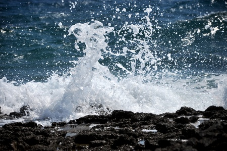 Sea waves crushing the shoreline, beautiful wild seascape Stock Photo - 17225880