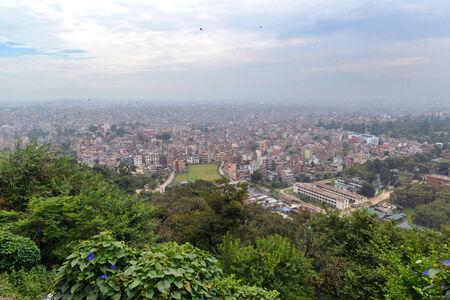 mundo contaminado: Vista de la ciudad de Katmand� desde el templo de Bankok. Nepal