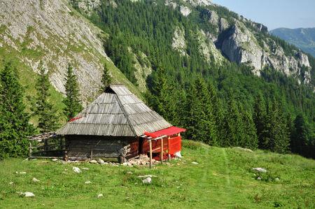 paucity: Mountain hut, lodge Stock Photo