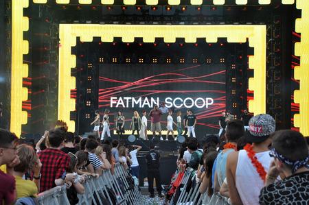 rapero: Cluj Napoca, Rumania 02 de agosto 2015: El rapero Fatman Scoop cantar en vivo en el Festival de Untold