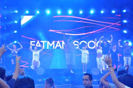 rapero: Cluj Napoca, Rumania 02 de agosto 2015: El rapero Fatman Scoop realiza un concierto en vivo en el Festival de Untold Editorial