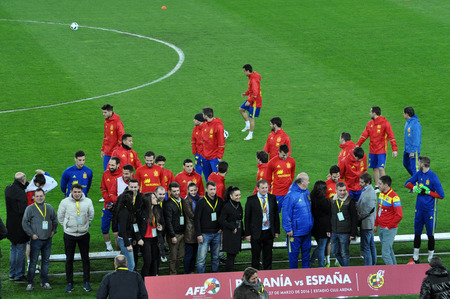 fabregas: CLUJ-NAPOCA, ROMANIA - MARCH 26, 2016: The National football team of Spain making a group photo on the field, during the warm-up before the Romania-Spain friendly match