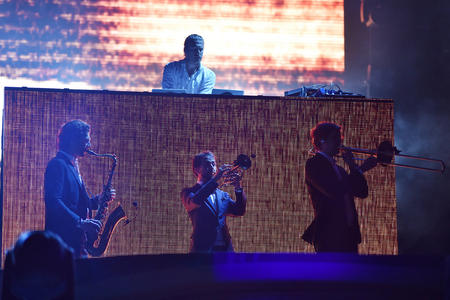 nu: CLUJ-NAPOCA, ROMANIA - JULY 7, 2016: Parov Stelar band performing an electro swing live concert at Untold Festival