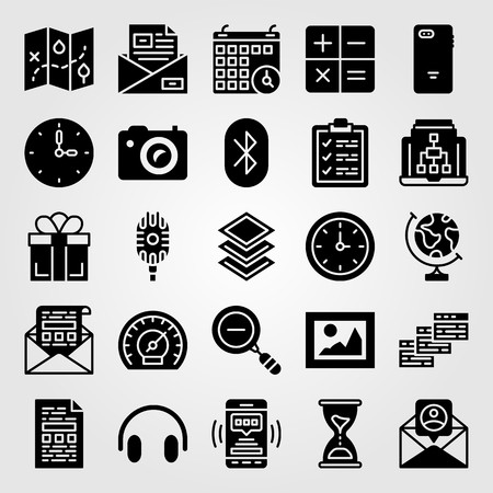 Essentials icon set vector. Microphone, layers, letter and calendar. Vettoriali