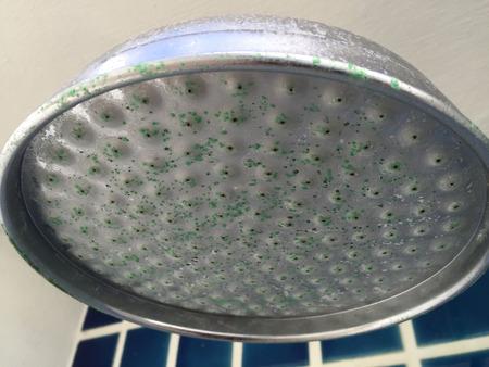 大きな汚いシャワー ヘッド 写真素材