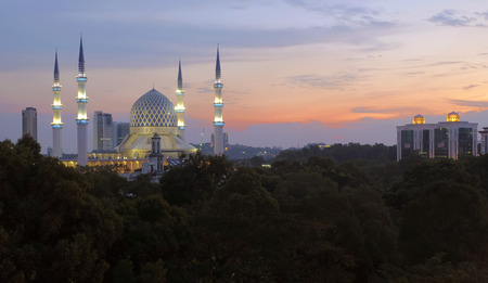 shah: Shah Alam City with Sultan Salahuddin Mosque at Dusk