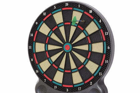 darts flying: Darts game, number 18