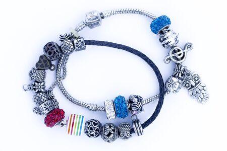 Bracciale per bambini con gioielli. Parure di bigiotteria composta da collana e orecchini pendenti in argento con pietra blu. Giocattolo per bambini per ragazze.
