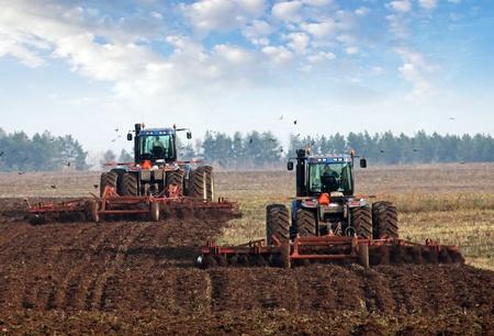 agrarische werkzaamheden in de verwerking, de teelt van de grond in Rusland