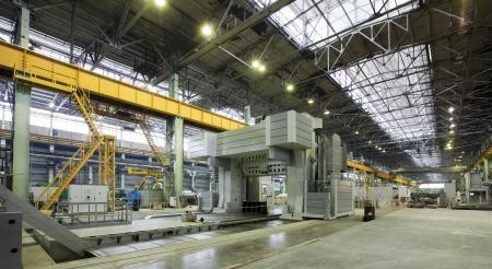 Fabriek voor de productie van onderdelen voor de enorme super auto's Stockfoto - 24662967