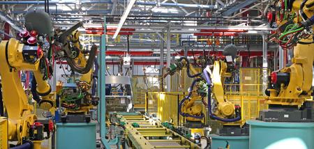 Moderne geautomatiseerde assemblagelijn voor auto's Stockfoto - 26307817