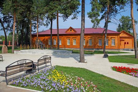 elabuga: summer cityscape House Museum and Monument to Bekhterev in Elabuga