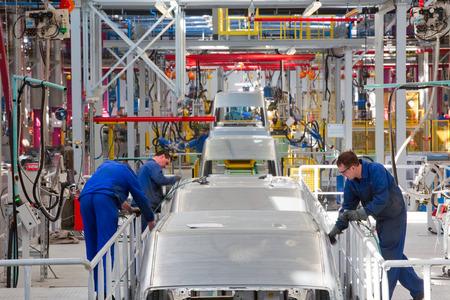 """Yelabuga, Rusland - 12 mei 2014: lopende band auto's Ford Sollers fabriek in de speciale economische zone """"Alabuga"""""""