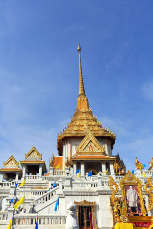 wat traimit: Wat Traimit, Famous for its gigantic, three-meters tall and 5.5 tons Buddha Image, made of solid gold during the Ayutthaya period in BANGKOK, THAILAND