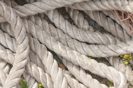 meshing: Nylon rope on wood deck for a floating raft