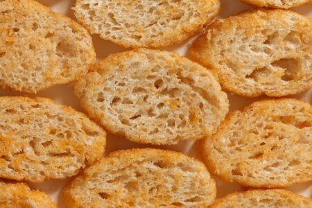 Texture lined bread crisps