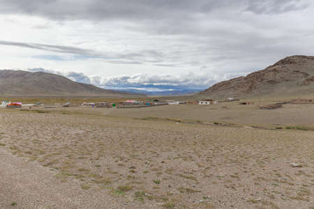 A small town located in the Mongolian mountains. Altai. 版權商用圖片