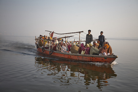 Varanasi, India, August 2008. Pilgrim ship on the Ganges River. Editöryel