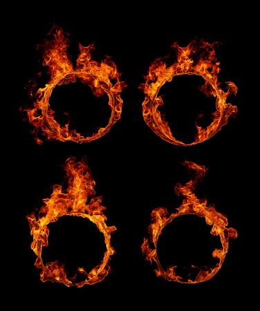 Set Ring van vuur in zwarte achtergrond