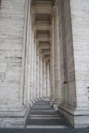 petes: Rome. Vatican city. Berninis colonnade at  St. Petes Square