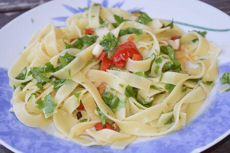 traditinal: traditinal  Italian dish:spaghetti aglio olio e peperoncino